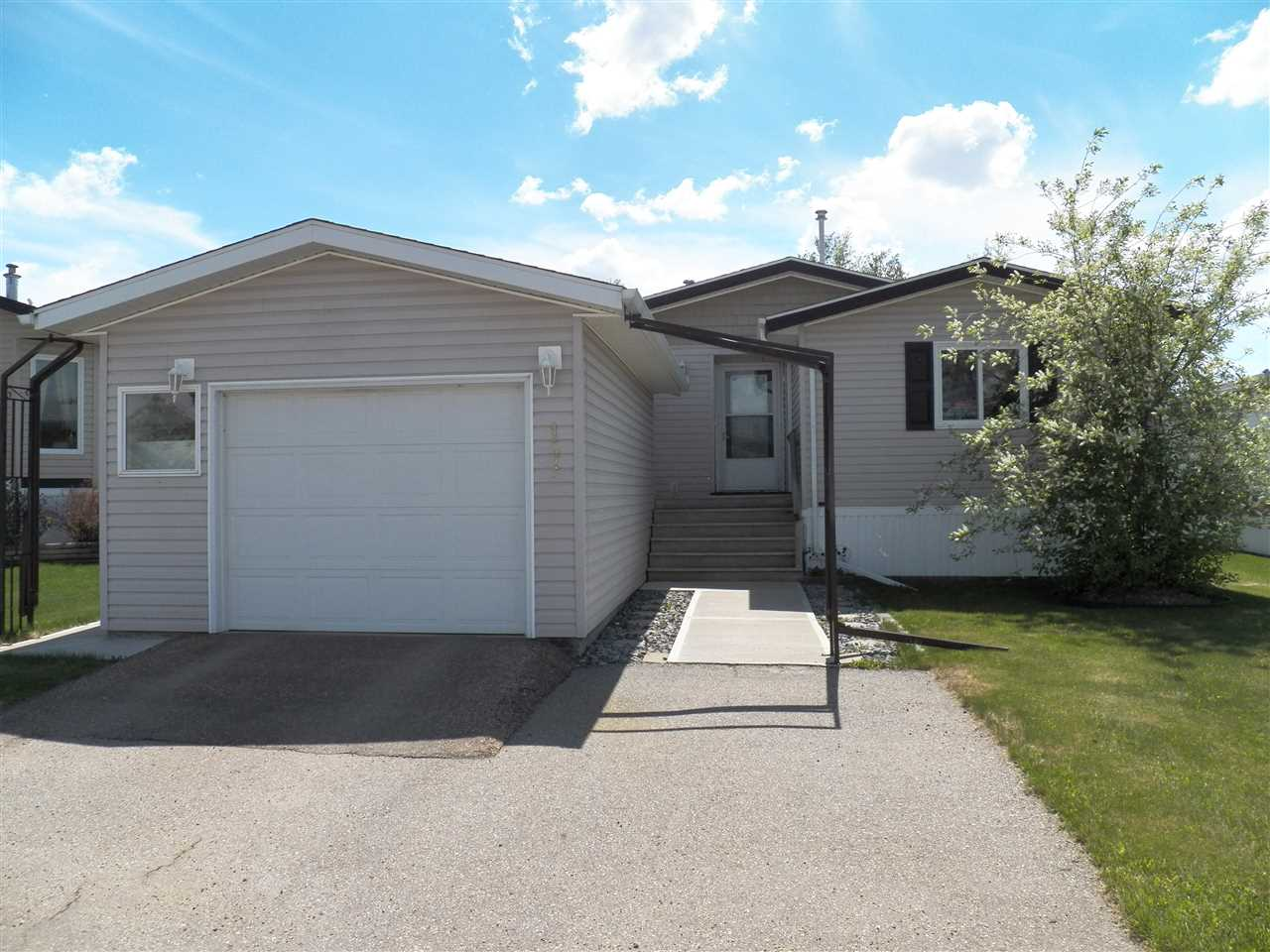 17 crystal Crescent NW, 2 bed, 2 bath, at $135,000