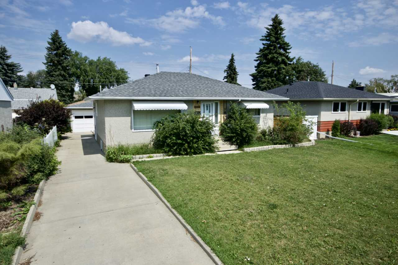 6012 102 Avenue, 4 bed, 2 bath, at $475,000