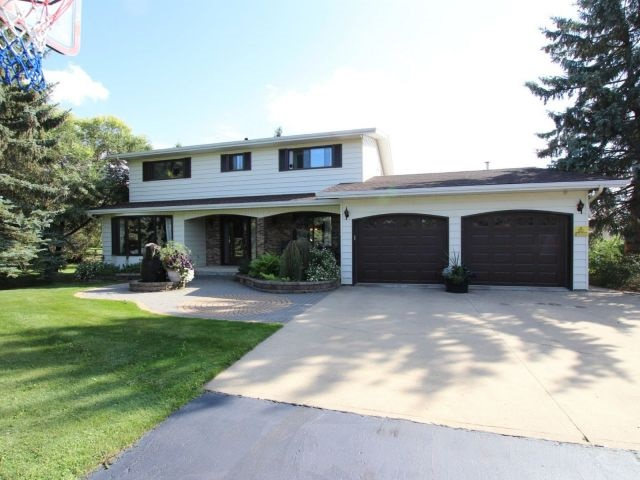 1300 - 50242 Rge Rd 244A, 3 bed, 4 bath, at $865,000