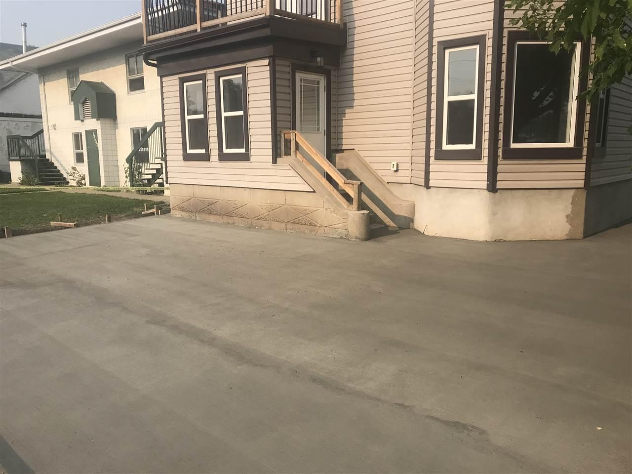 10639 95 Street, 3 bed, 2 bath, at $310,000