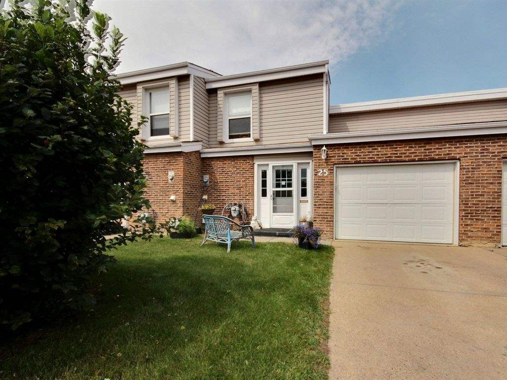 25 Grandview Ridge, 3 bed, 2 bath, at $250,000