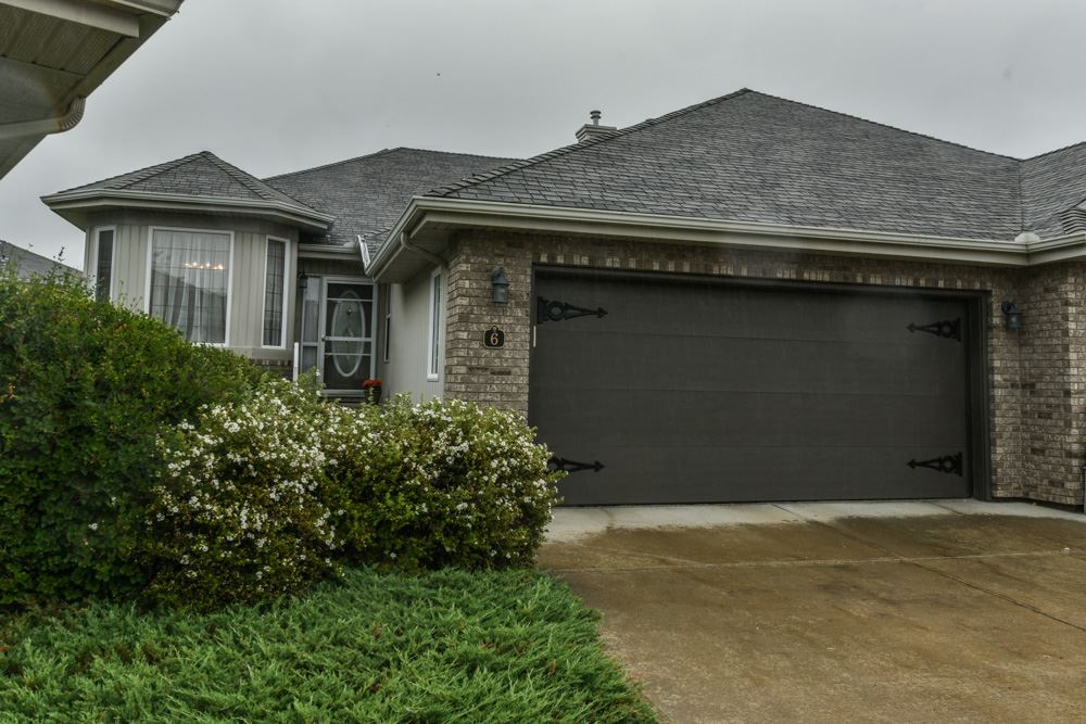 6 10848 8 Avenue SW, 4 bed, 3 bath, at $429,900