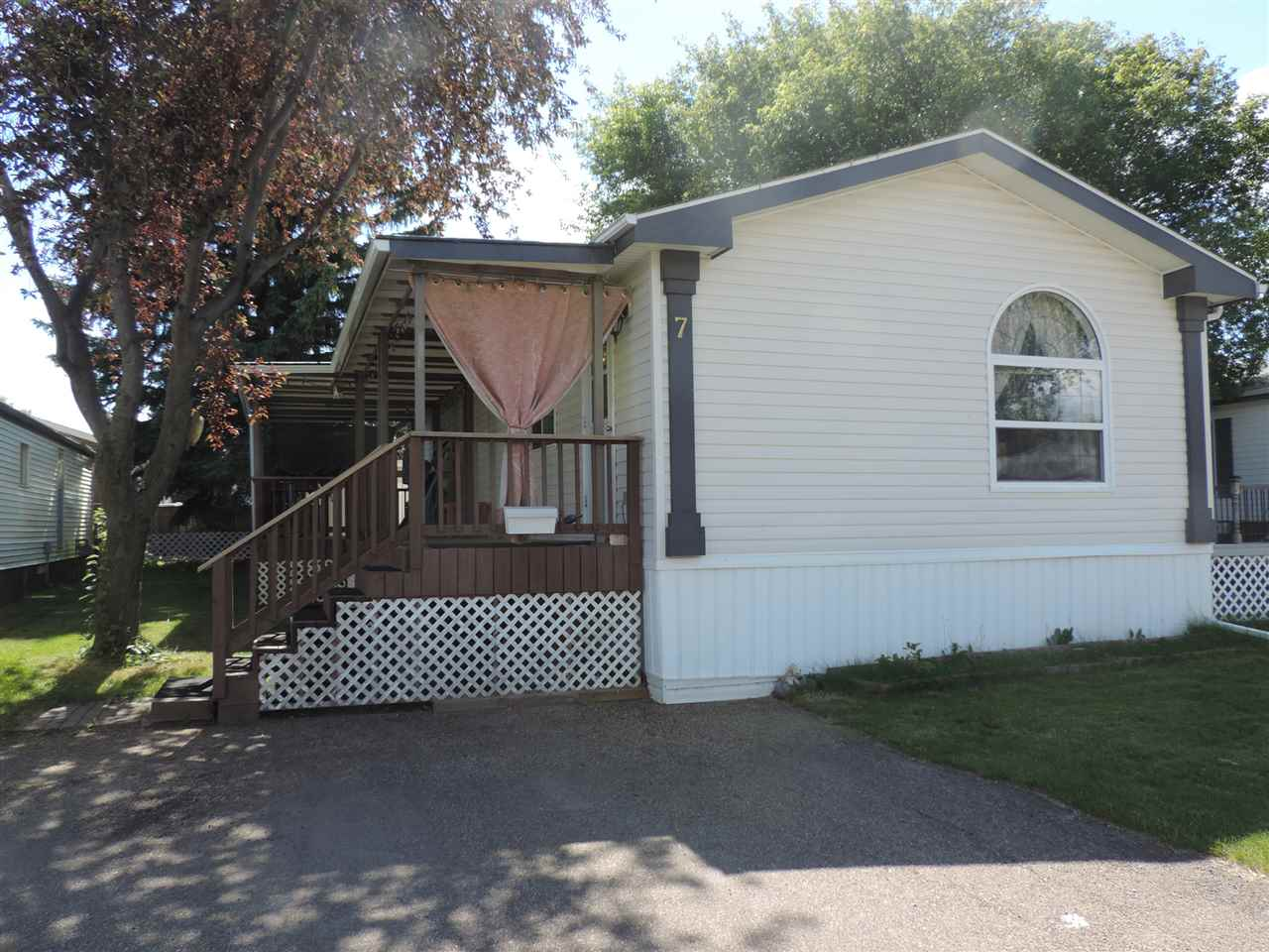 7 Willow Park, 3 bed, 2 bath, at $118,000