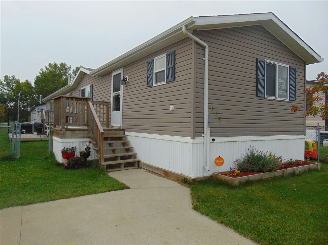 225 Oak Wood Drive, 3 bed, 2 bath, at $116,900
