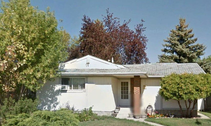 11624 151 Avenue, 5 bed, 3 bath, at $330,000