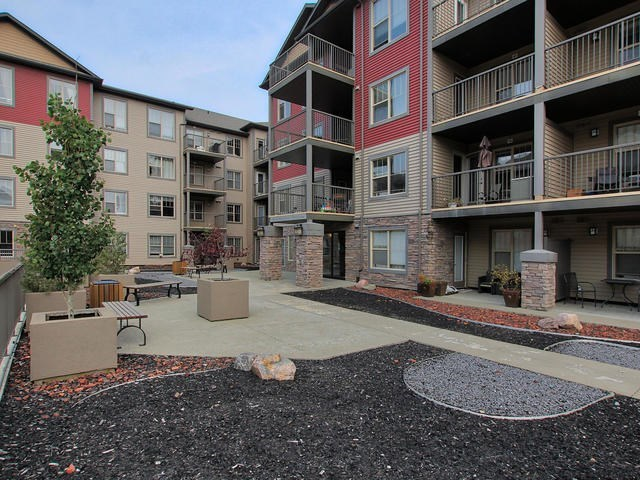 212 105 AMBLESIDE Drive, 2 bed, 2 bath, at $249,800