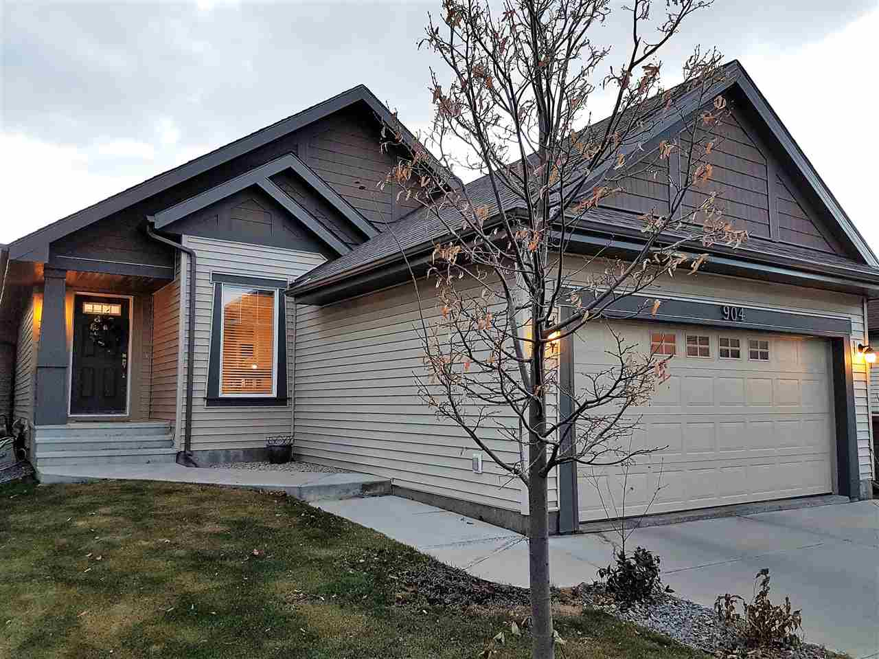 904 CHAHLEY Crescent, 4 bed, 3 bath, at $499,800
