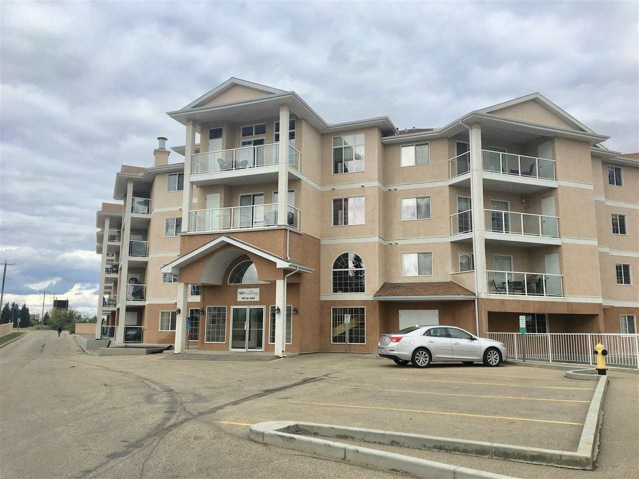 223 7801 Golf Course Rd, 1 bed, 1 bath, at $169,900
