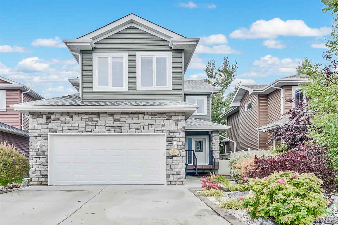 44 WILLOWBEND Place NW, 3 bed, 3 bath, at $435,000