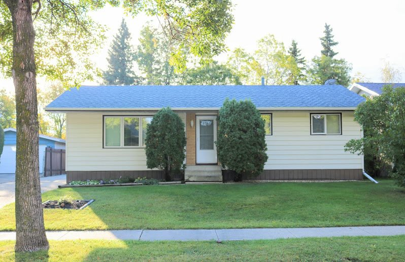 32 Finch Crescent, 3 bed, 2 bath, at $329,999
