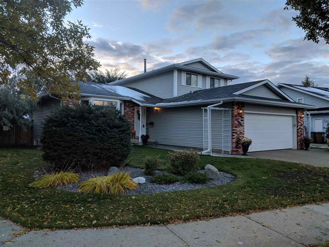 58 Pembroke Crescent, 5 bed, 4 bath, at $458,250