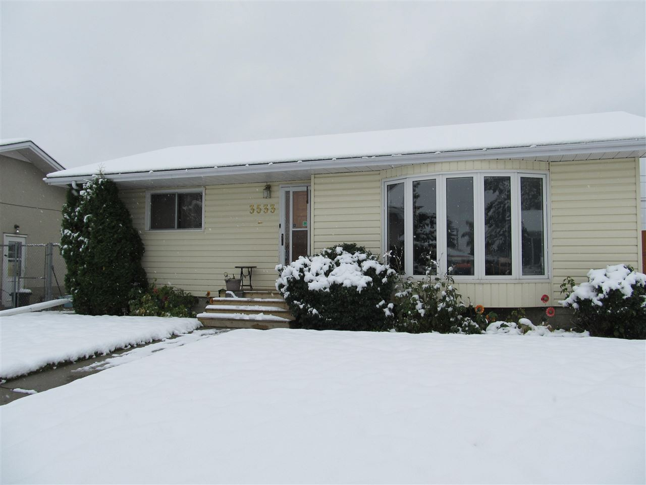 3533 121A Avenue, 3 bed, 2 bath, at $304,900