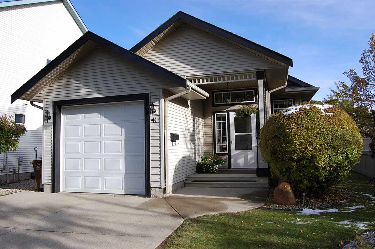 41 13 Hawthorne Crescent, 3 bed, 3 bath, at $358,800