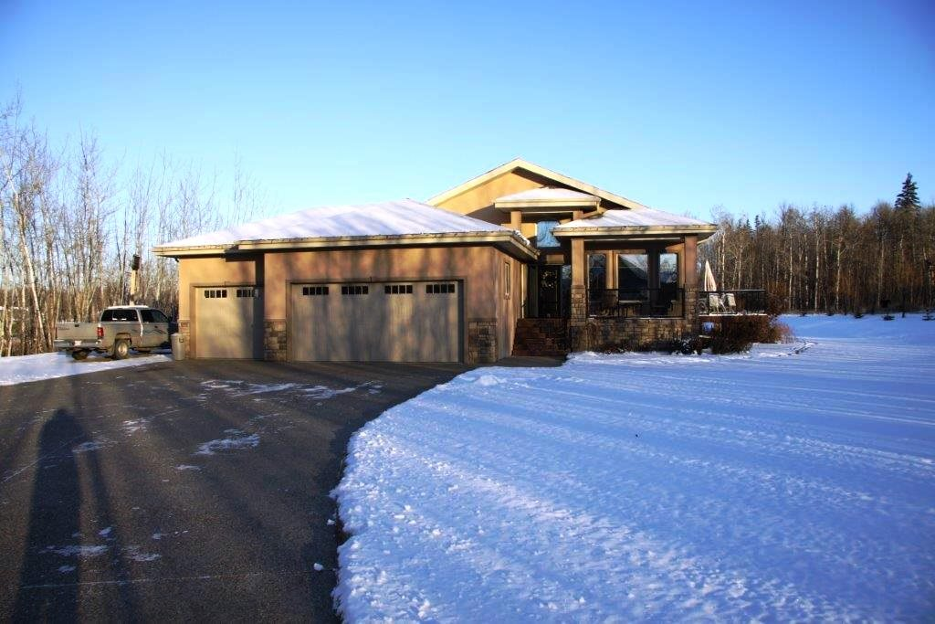 11 26323 TWP RD 532A, 4 bed, 3 bath, at $849,900