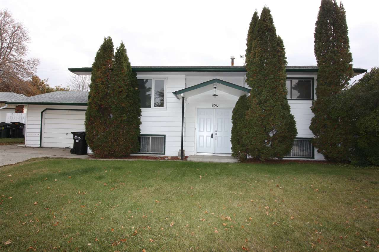 890 Cottonwood Avenue, 3 bed, 2 bath, at $279,700