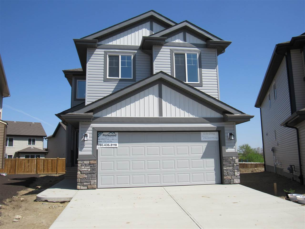 1216 25 Avenue, 3 bed, 3 bath, at $429,900