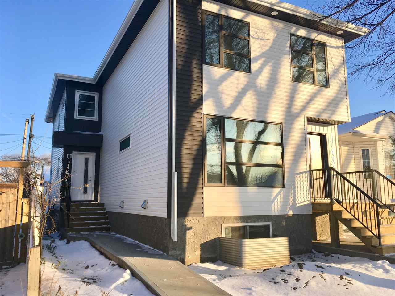 Property, 2 bed, 4 bath, at $300,000