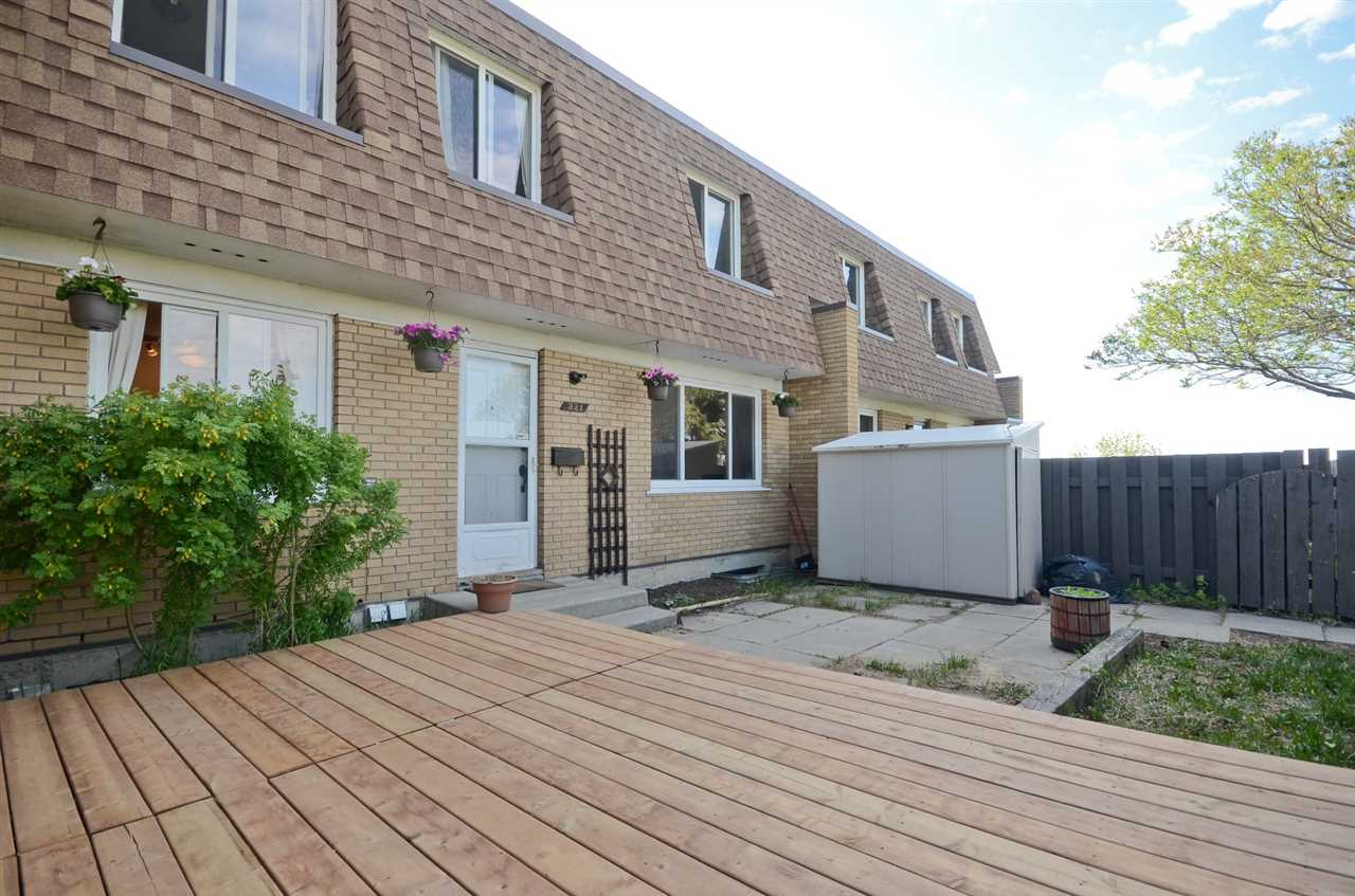 221 LONDONDERRY Square, 3 bed, 2 bath, at $149,900