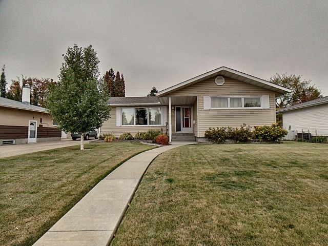 9226 157 Street, 3 bed, 2 bath, at $374,900