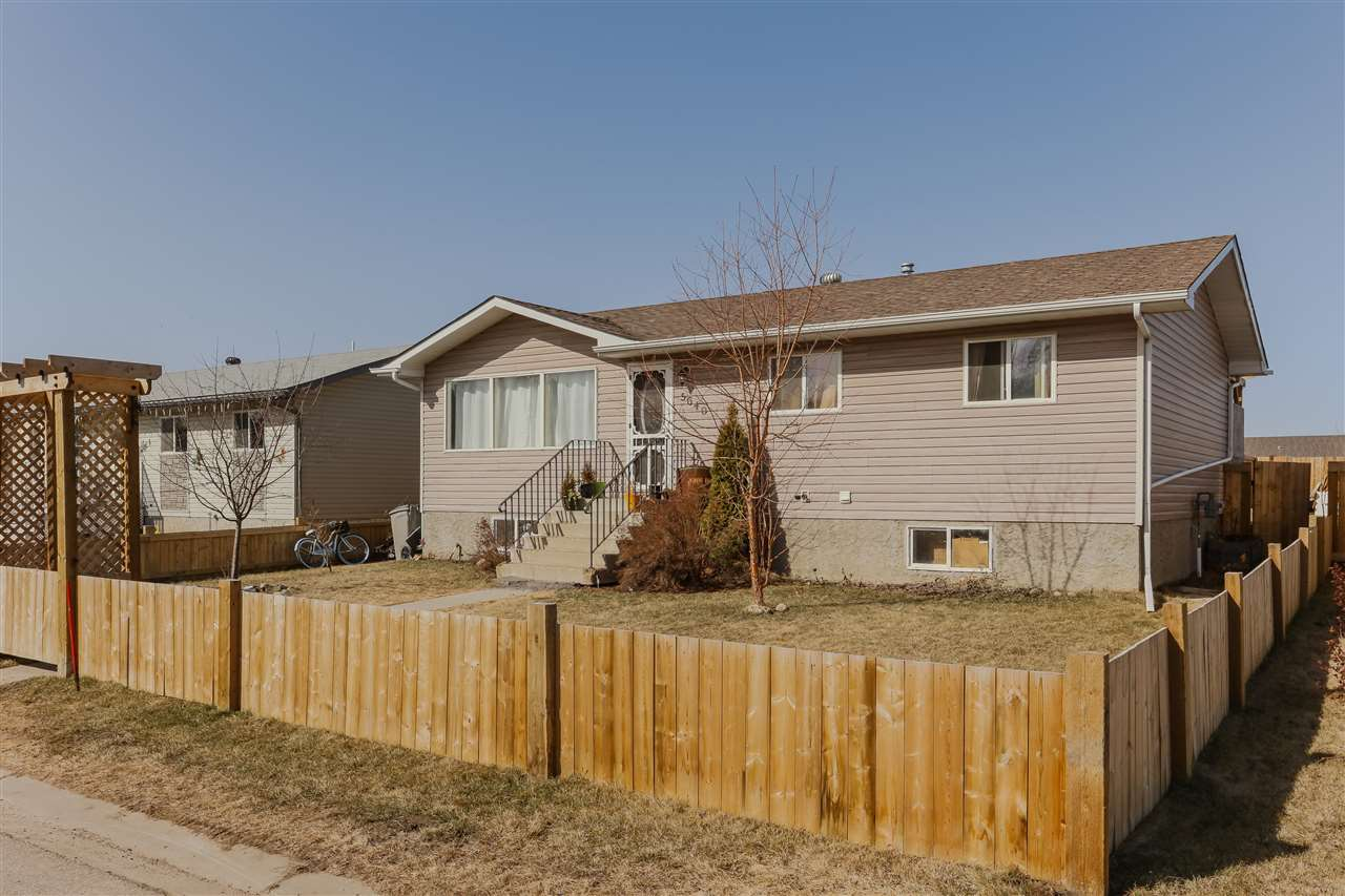 5640 52 Street, 3 bed, 2 bath, at $249,900