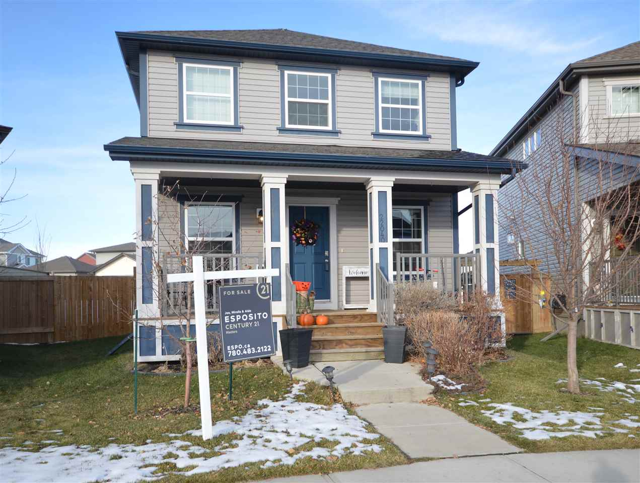 22040 98 Avenue, 3 bed, 3 bath, at $388,800