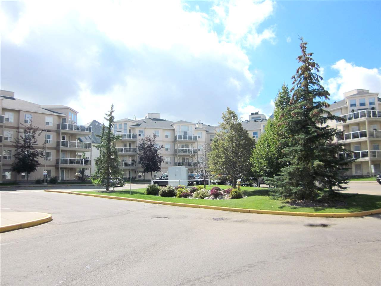 404 9760 174 Street, 2 bed, 2 bath, at $228,000