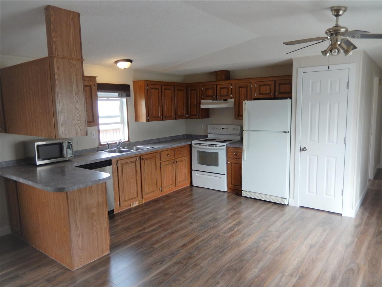 106 3400 48 Street, 3 bed, 3 bath, at $135,000