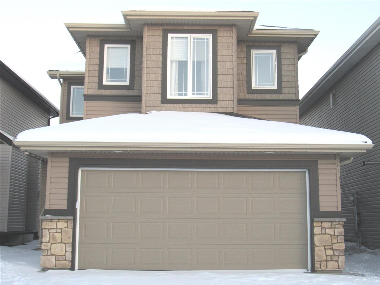 2815 16 Street, 3 bed, 3 bath, at $509,400