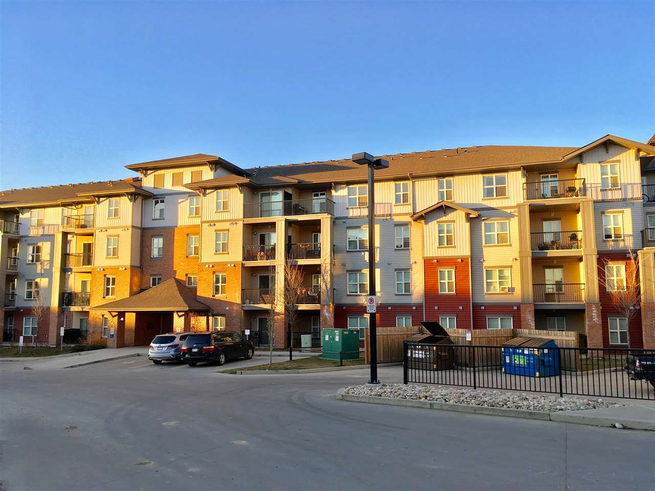 416 667 WATT Boulevard, 2 bed, 2 bath, at $219,900