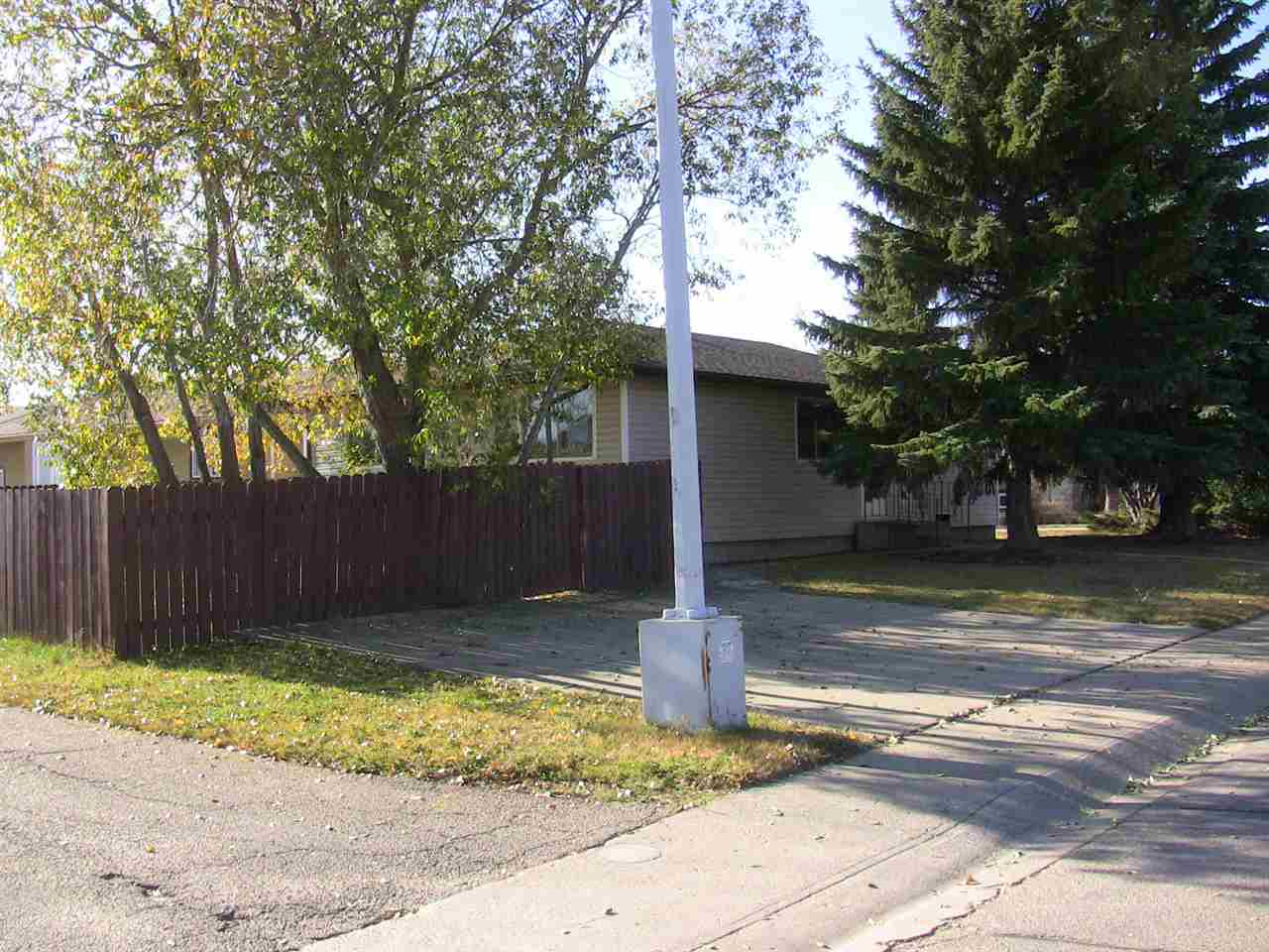 72 CLAREVIEW Road, 2 bed, 1 bath, at $268,000