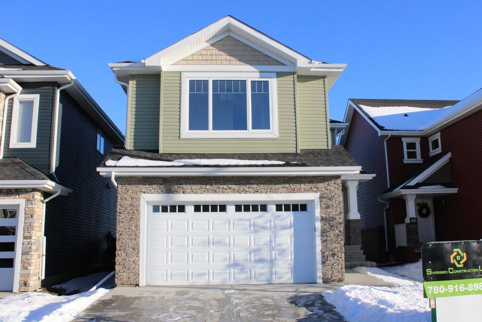 1423 164 Street SW, 3 bed, 3 bath, at $599,000