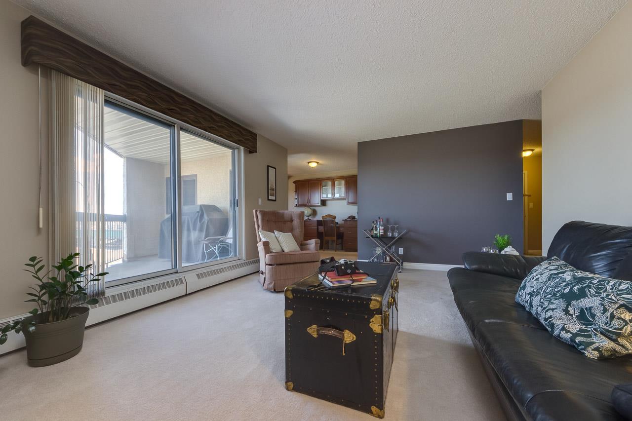 301 10511 19 Avenue, 2 bed, 1 bath, at $155,000