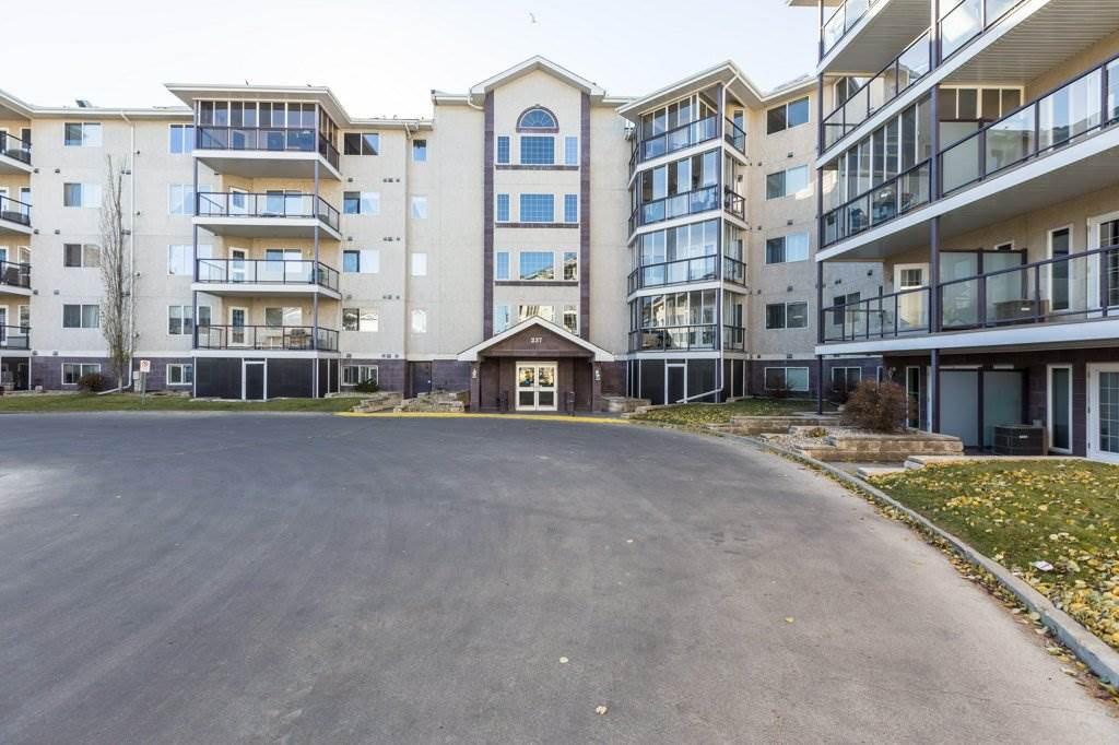 411 237 YOUVILLE Drive E, 1 bed, 1 bath, at $219,900