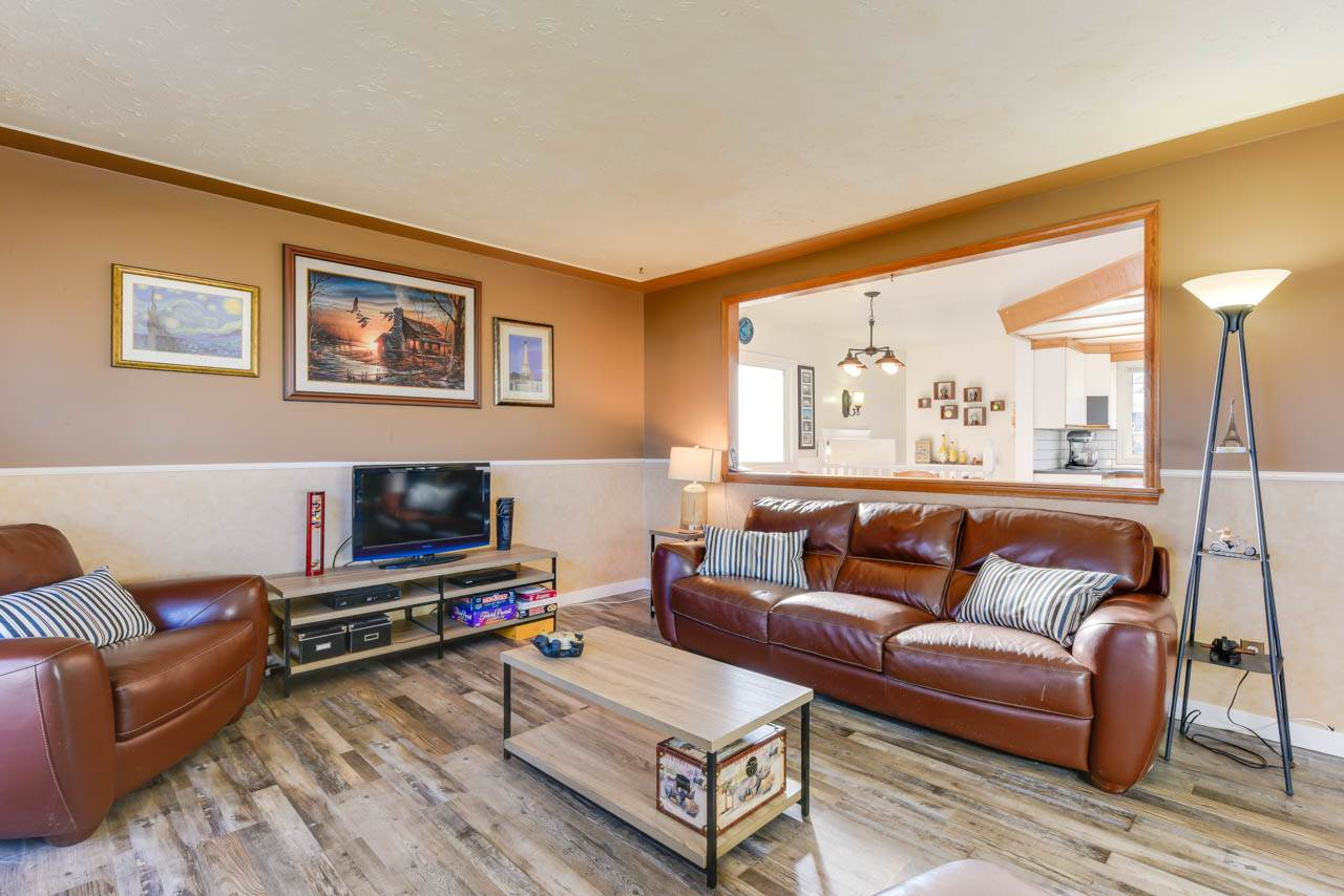 11922 36 Street NW, 4 bed, 2 bath, at $329,900