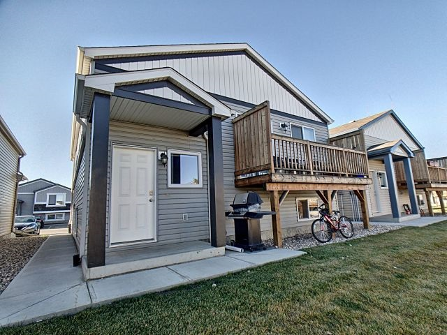 148 142 Selkirk Place, 2 bed, 1 bath, at $172,000