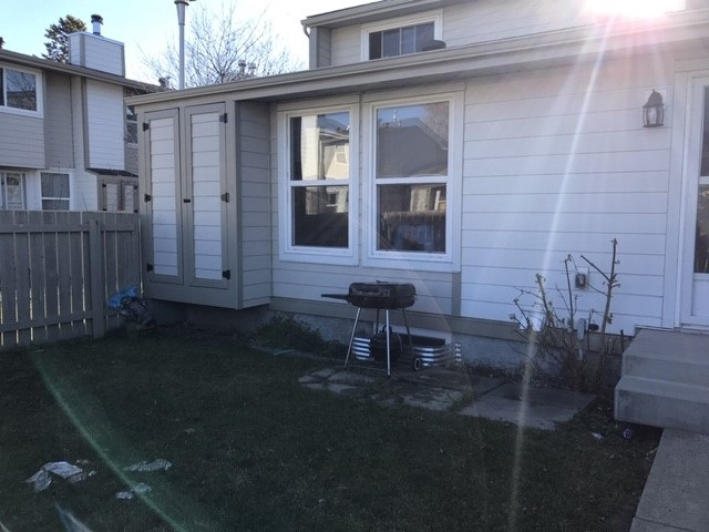 1130 KNOTTWOOD Road E, 2 bed, 1 bath, at $179,900
