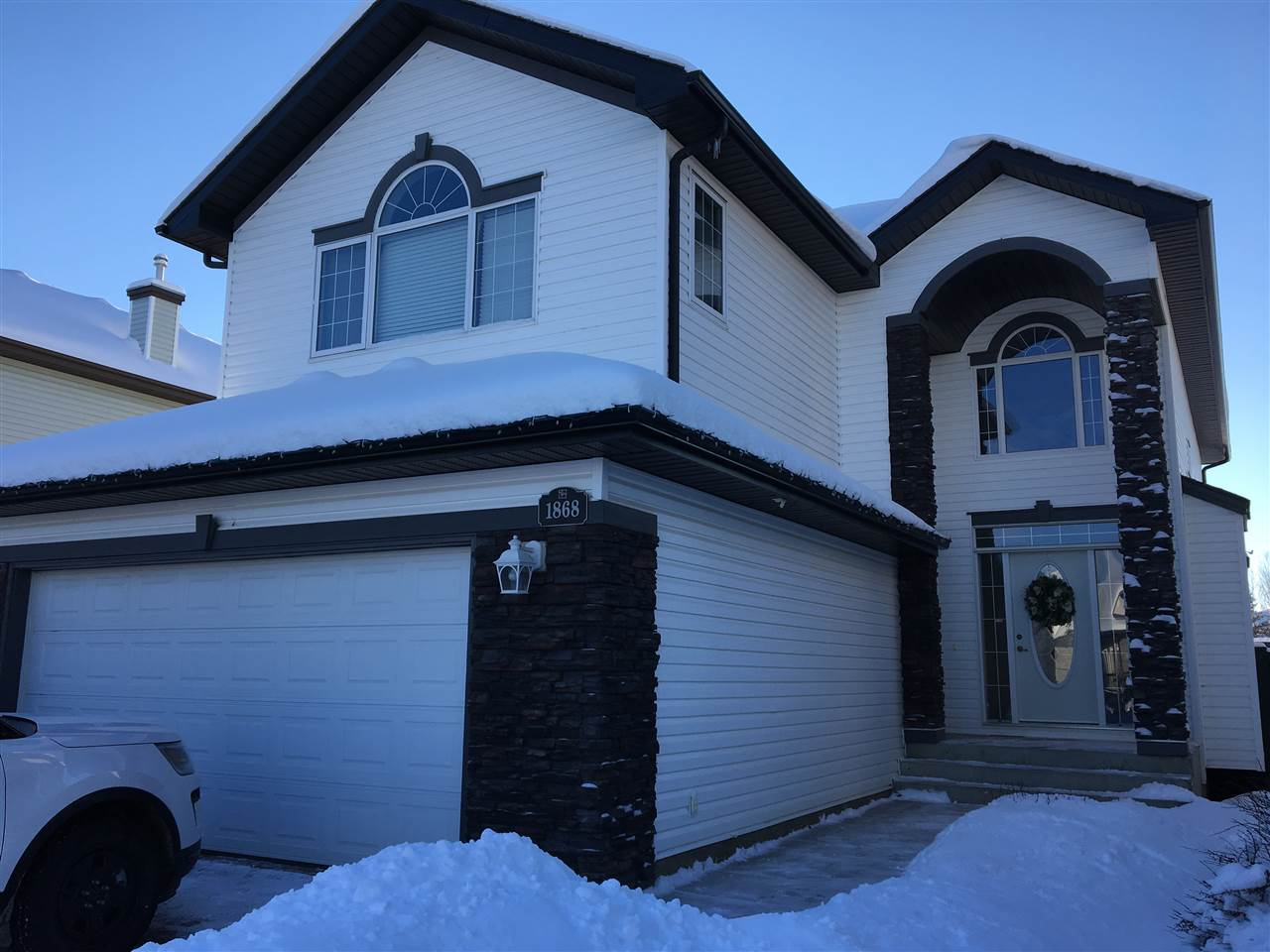 1868 ROBERTSON Crescent, 4 bed, 4 bath, at $599,900