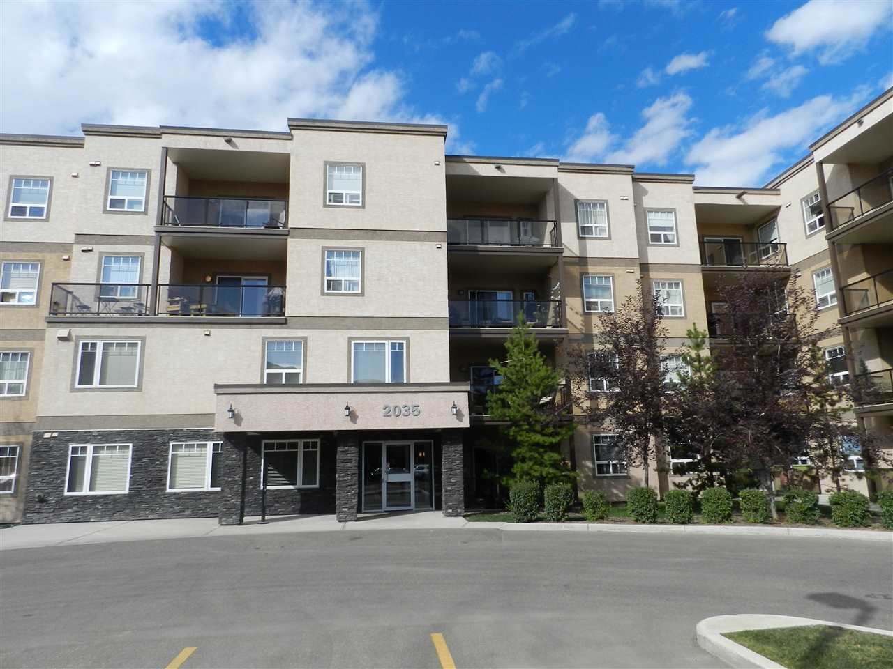 422 2035 GRANTHAM Court, 1 bed, 1 bath, at $220,900