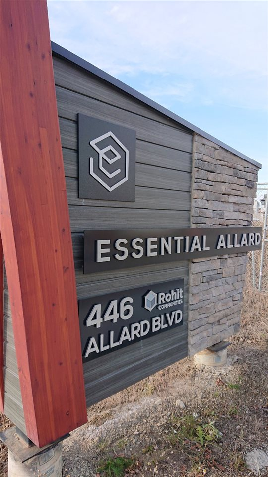76 446 ALLARD Boulevard, 2 bed, 3 bath, at $240,000