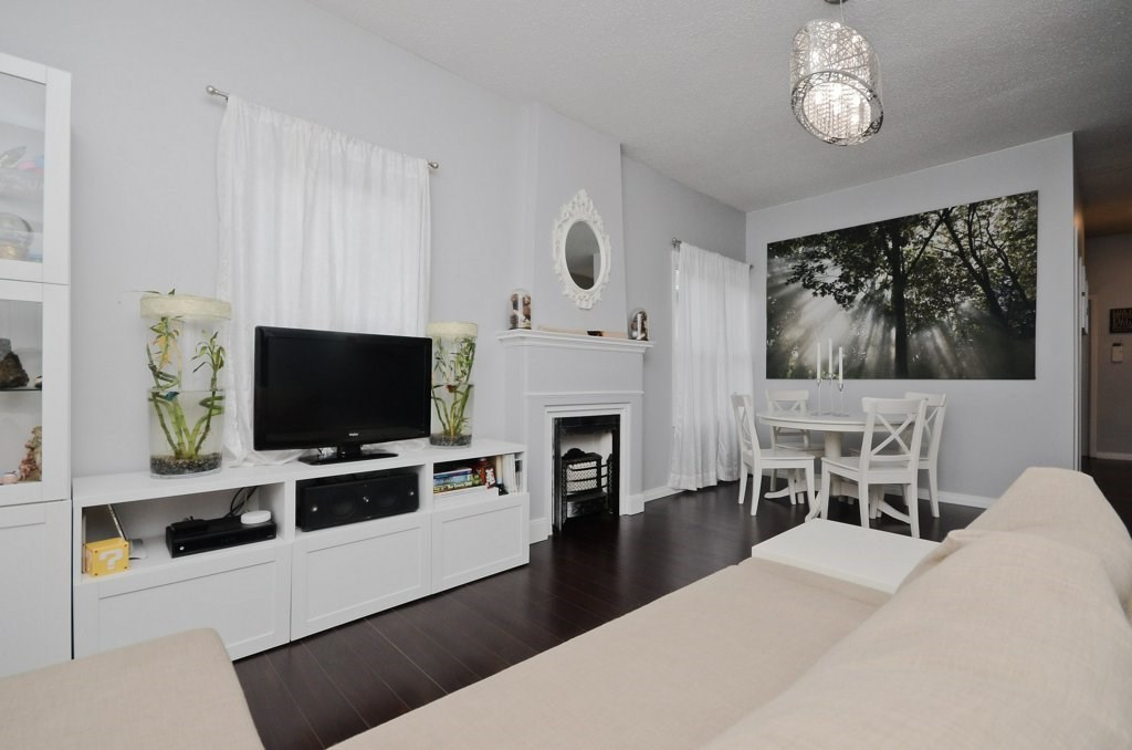 11624 96 Street, 2 bed, 2 bath, at $259,900