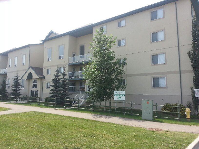 403 260 LEWIS ESTATES Boulevard, 2 bed, 2 bath, at $259,900