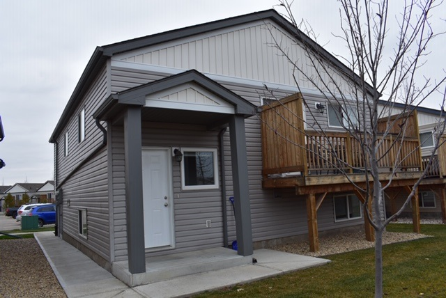 194 142 Selkirk Place, 2 bed, 1 bath, at $159,000