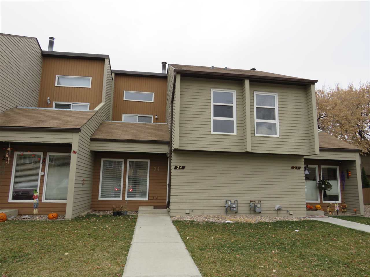 24 2020 105 Street, 3 bed, 2 bath, at $209,700