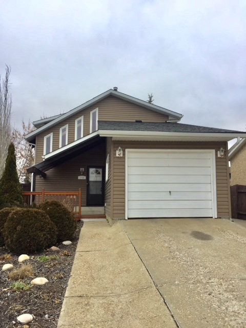 2722 138A Avenue, 3 bed, 2 bath, at $319,900