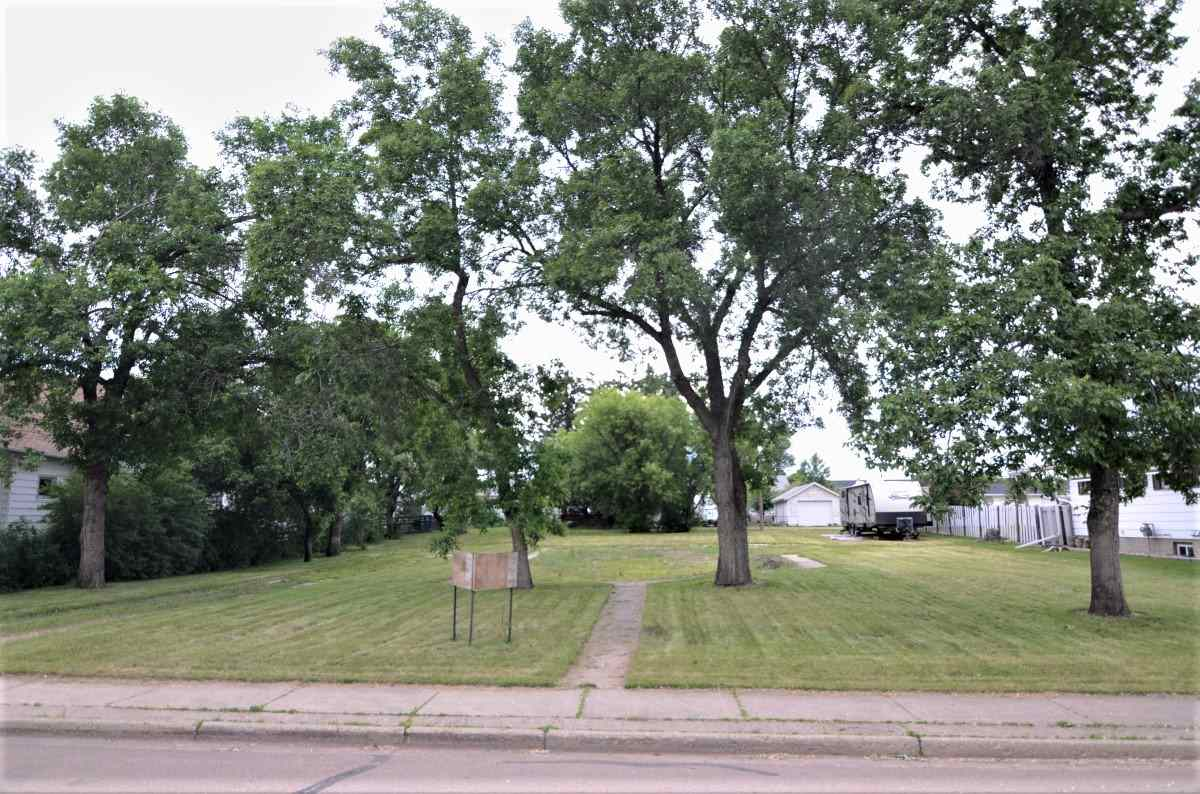 4820 54 Avenue, at $125,000