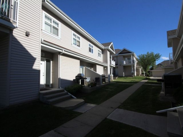 93 3040 Spence Wynd, 2 bed, 1 bath, at $215,000