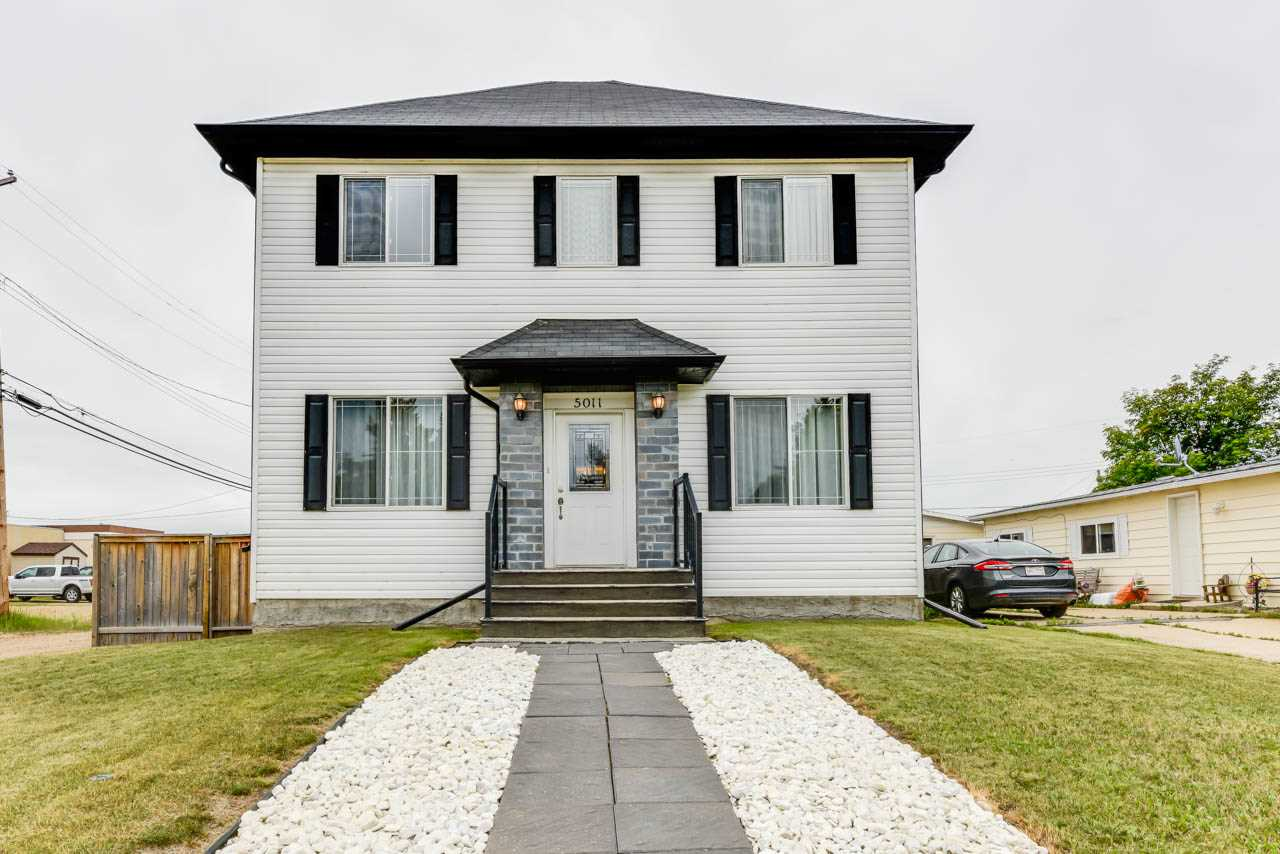 5011 54 Ave, 3 bed, 2 bath, at $299,000