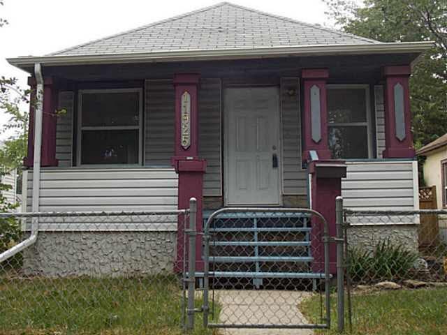 11925 78 Street, 1 bed, 1 bath, at $158,800