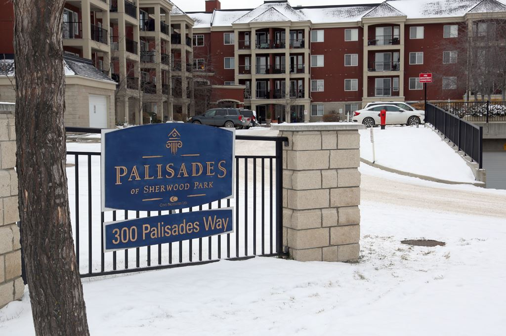 134 300 PALISADES Way, 2 bed, 2 bath, at $289,900