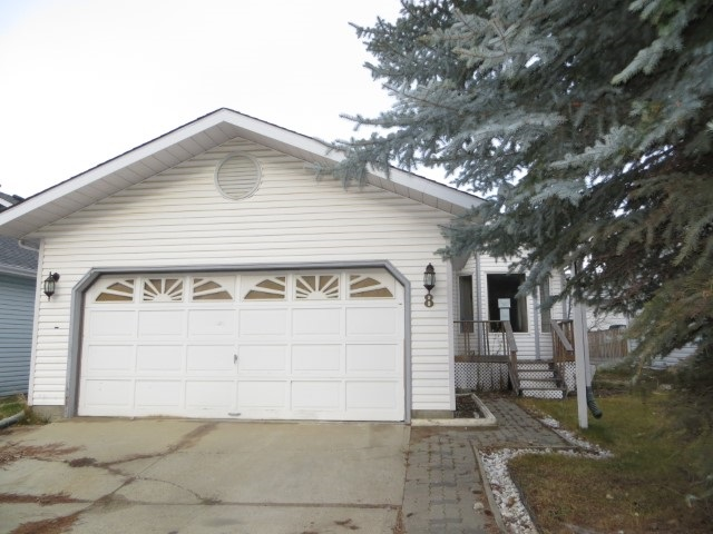 8 ASPENGLEN Crescent, 3 bed, 2 bath, at $249,900